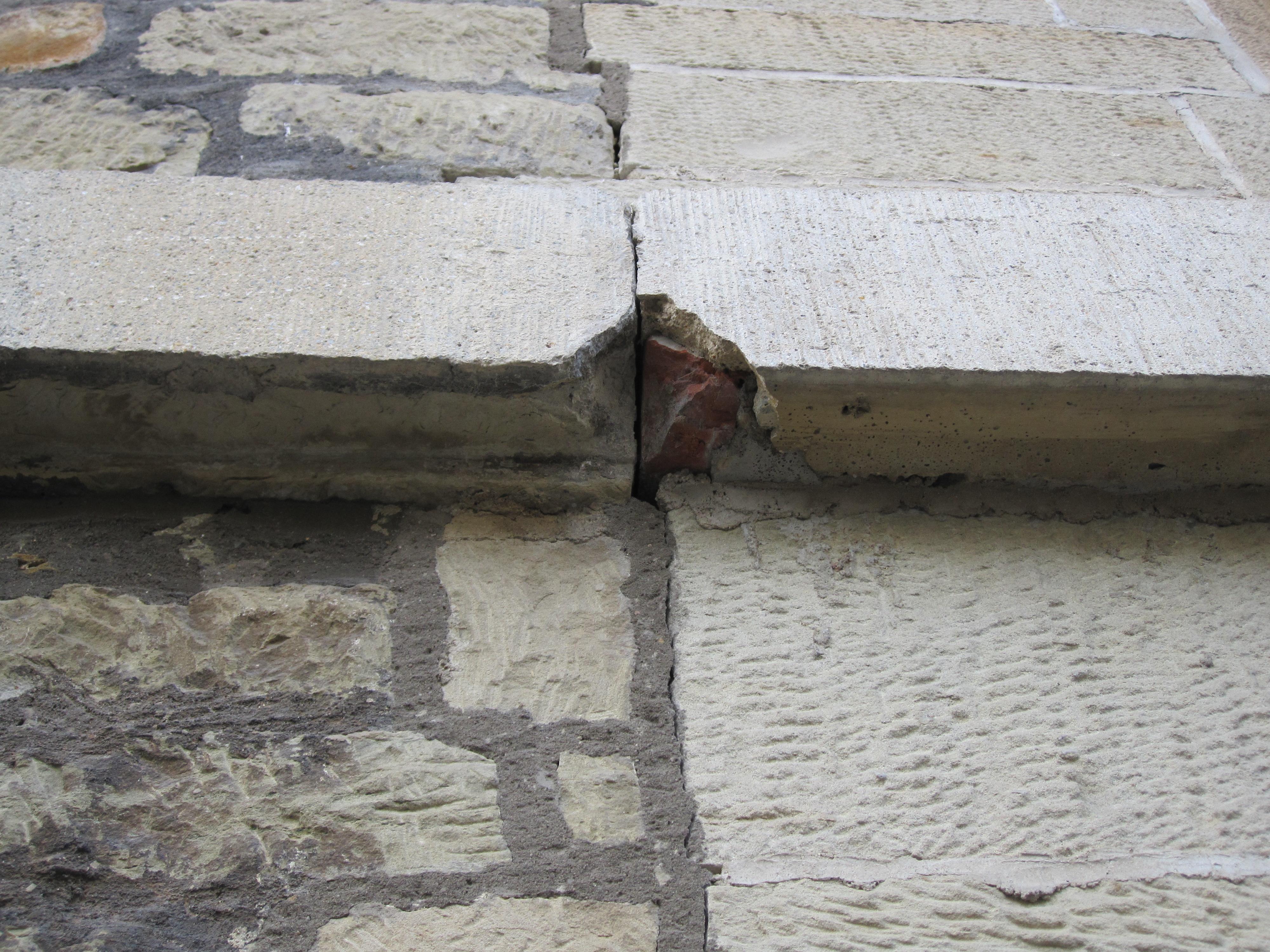 Schadstelle Ostflügel-Ostfassade des Rotebühlbaus